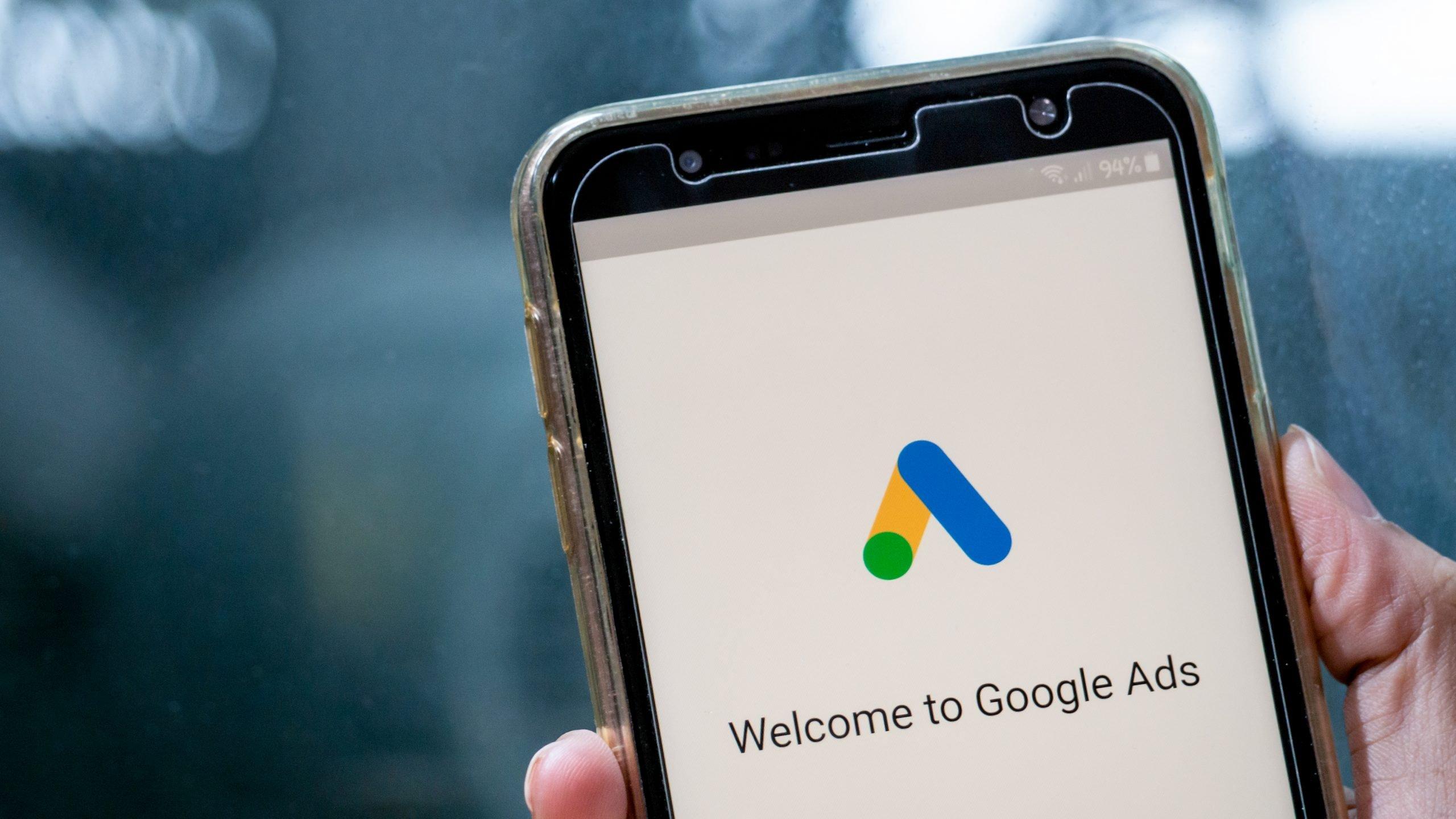 Cómo contactar con Google Adwords, telefono, mail, chat